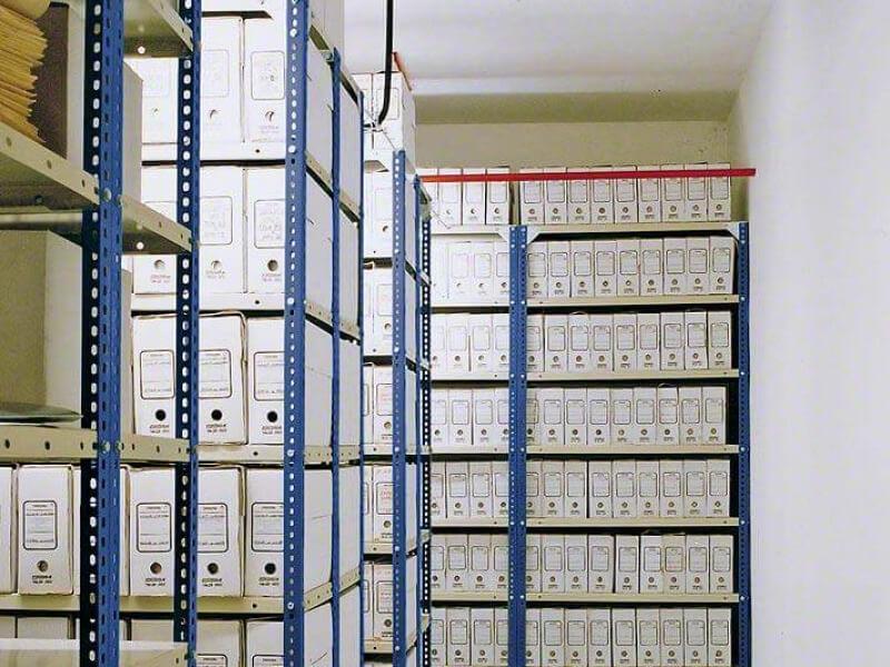 Salgó polc, csavarozható polcos állvány - Egyszerű felépítésű polcrendszer