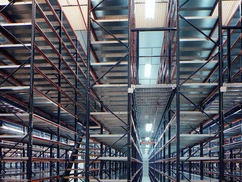 Polcos galéria - A raktárépület belmagasságának optimális kihasználására